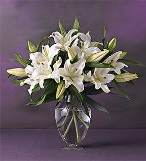 Rize uluslararası çiçek gönderme  4 dal cazablanca vazo çiçeği