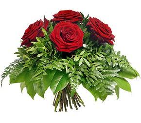 Rize çiçekçiler  5 adet kırmızı gülden buket