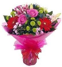 Karışık mevsim çiçekleri demeti  Rize çiçek gönderme