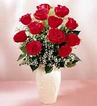 Rize yurtiçi ve yurtdışı çiçek siparişi  9 adet vazoda özel tanzim kirmizi gül