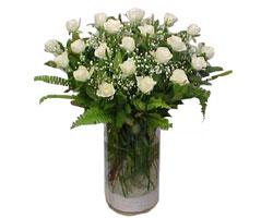 Rize online çiçek gönderme sipariş  cam yada mika Vazoda 12 adet beyaz gül - sevenler için ideal seçim