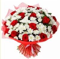 11 adet kırmızı gül ve beyaz kır çiçeği  Rize çiçek yolla , çiçek gönder , çiçekçi