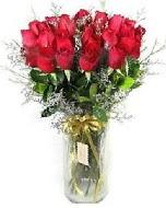 27 adet vazo içerisinde kırmızı gül  Rize uluslararası çiçek gönderme