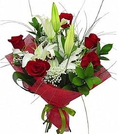 1 dal kazablanka 5 kırmızı gül buketi  Rize internetten çiçek siparişi