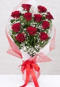 11 kırmızı gülden buket çiçeği  Rize ucuz çiçek gönder