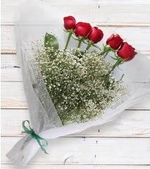 5 kırmızı gülden sade buket  Rize anneler günü çiçek yolla
