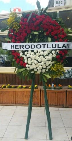 Cenaze çelengi cenazeye çiçek modeli  Rize çiçek servisi , çiçekçi adresleri