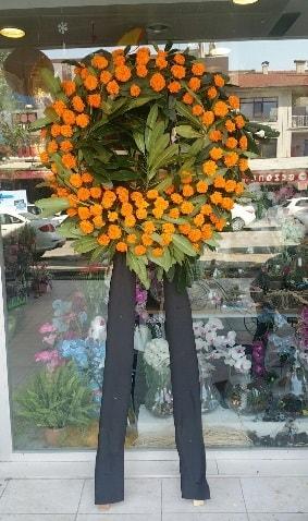 Cenaze çiçeği cenaze çelengi çiçek modeli  Rize hediye sevgilime hediye çiçek