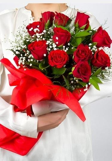 Aşk Gülleri 11 Adet kırmızı gül buketi  Rize çiçek online çiçek siparişi