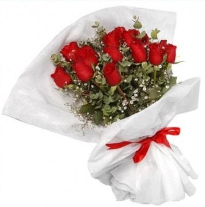 9 adet kırmızı gül buketi  Rize yurtiçi ve yurtdışı çiçek siparişi