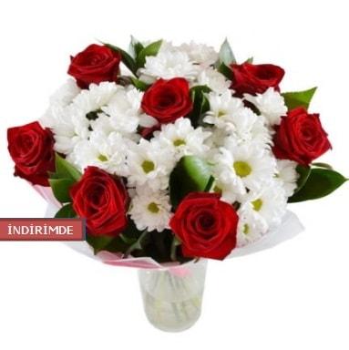 7 kırmızı gül ve 1 demet krizantem  Rize 14 şubat sevgililer günü çiçek